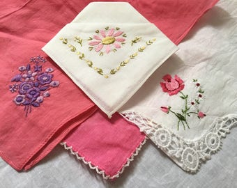 Ptetty Pink lot of four vintage hankys/ embroidered lace hanky