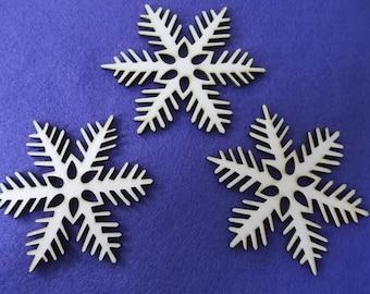 3 snowflakes, wood, 8 cm (14-0004B)