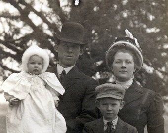 vintage photo rare The perfect FAmily w Unusual printing on front