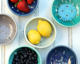small grey berry bowl, porcelain