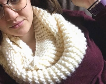 Infinity Scarf / Chunky Knit / Gift for Her