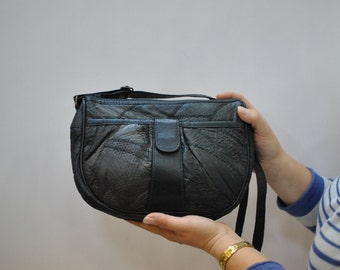 Vintage MESSENGER LEATHER BAG...(117)