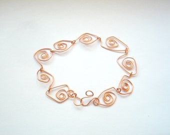 Copper wire bracelet with spirals for women. Handmade copper woman cuff. Handmade. Gift for her. Wire wrapped woman cuff
