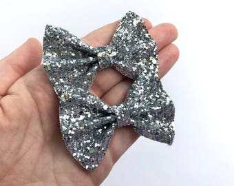 Silver Chunky Glitter Pigtail Hair Bow Set // Piggie Bows Hair Clips // Pigtail Bows Mini Bows Baby Toddler Bow Set