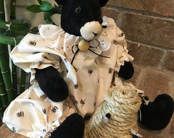 Fabric Bear Doll , Black Bear with Bee Hive , Country Room Accent ,Primitive Bear Pattern , Bee hive , Vintage Button , Farmhouse Decoration
