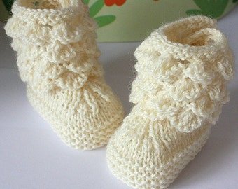 Knitting Pattern (PDF file) Sea Shells Baby Boots (sizes 0-6/6-12 months)