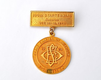 Vintage medal Eastern Star, 1974 Startennial, excellent for steampunk jewelry
