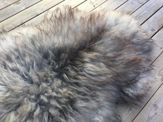 Real natural Sheepskin rug supersoft rugged throw from Norwegian norse breed medium locke length sheep skin grey gray brown 18071