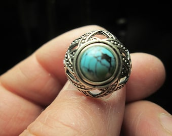 Ring, size 8... Turquoise in sterling silver