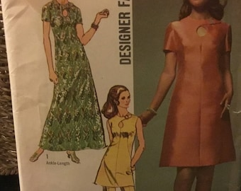 Retro 1970s Simplicity 9014 designer fashion pattern- uncut Size 12  Miss -dress in two lengths- tunic and pants pattern- key hole design