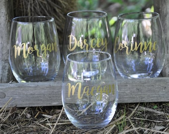 Set of 6 Personalized Wine Glasses Bachelorette Party Wine Lover Gift Wedding Gift Custom Wine Glass Wedding Wine Glasse