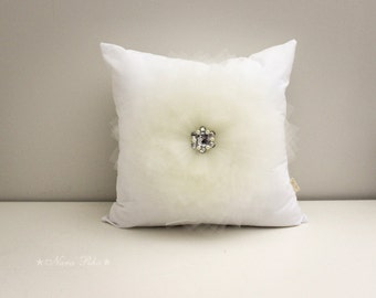 White Pillow Cover White Cushion Cover Nursery Pillow Shabby Pillow Flower Pillow Case Bed Pillows Ivory Flower on White Pillow Cover 16X16