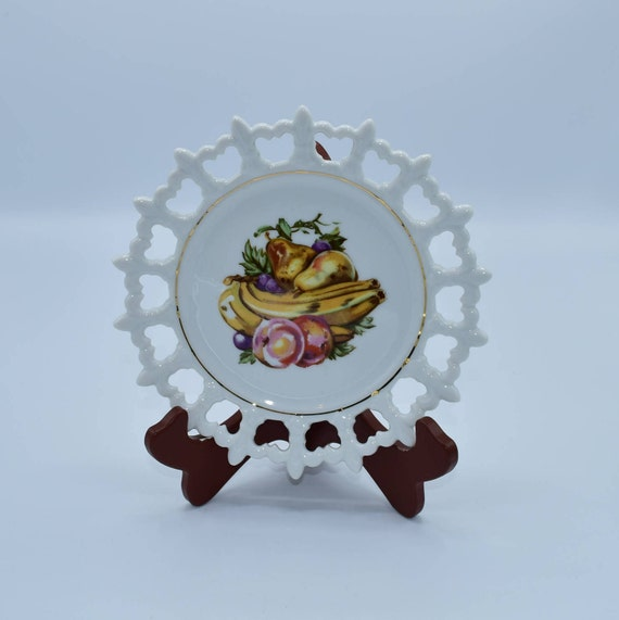 Napco Fruit Plate Fleur De Lis Edge Vintage White Reticulated Rim Plate Banana Fruit Motif Made in Japan Hand Painted Numbered