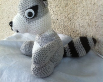 Filou the stinky crocheted in acrylic