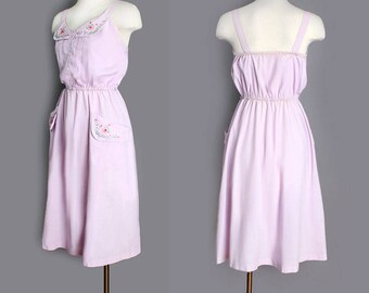 1970's Lavender Embroidered Sweet Vintage Day Dress - Summer Dress, Festival Dress, Bohemian style, Hippie, MEDIUM