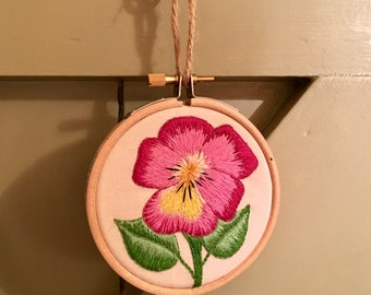 """Simple Pansie - 3"""" Embroidered Hoop"""