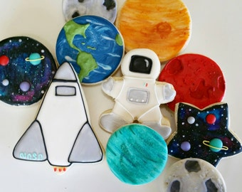 astronaut cookies, astronaut, space cookies, space party, galaxy party, galaxy cookies, solar system cookies, birthday cookies