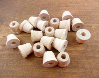 "Wood Flower Pots Miniatures 1/2"" H x 5/8"" W - 25 Pieces"