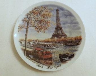 Paris Tour Eiffel Bateaux Mouches Seine Collectible Porcelain Plate