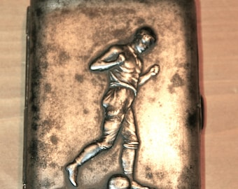 Vintage Zigarettenetui mit Fussballer Motiv 1910 / antique cigarette case with football player