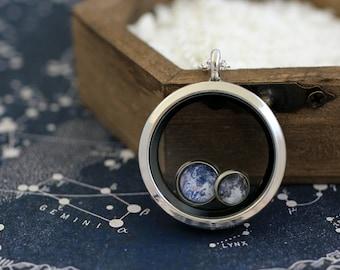 Tierra, Luna, tierra y Luna, tierra y Luna collar, tierra Luna Locket, tierra medallón, medallón Luna, Sistema Solar collar, collar de espacio