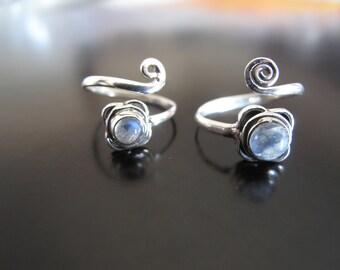 Moon Stone Toe Ring, Flower Toe ring, Moon Stone Kinkle ring, Silver 925 toe Ring, adjustable toe ring, Tribal toe ring, Spiral toe ring