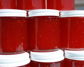 Wedding jam favor, party favor, Strawberry Pineapple jam favors, Spread the Love with 100 4 oz jars
