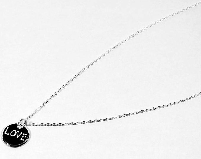 Necklace with a medal engraved LOVE silver
