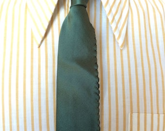 Vintage MENS X'Andrini for Syd Jerome green silk skinny tie (with side seam stitch detail), circa 50s-60s