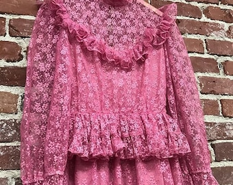Vintage Victorian Lace Fuchsia Gown Sheer Lace Sleeves Seventies 1970s Size Medium