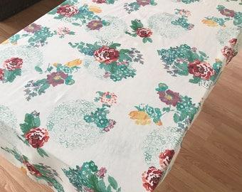 Vintage Tablelcoth, Cotton Blend Flowered Print Tablecloth, Kitchen Tablecloth, Rectangular Tablecloth, Vintge Table Linens, Tablecloths