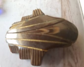 Vintage Buttons  1 awesome Art Deco brown Bakelite, extra large size carved design, old and sweet(apr 78 18)