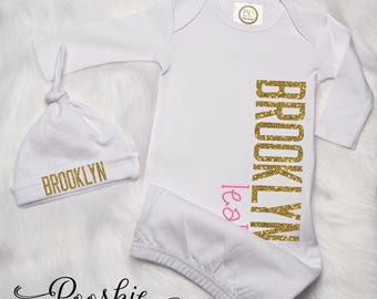 Personalized Newborn Girl Gown, Girl Coming Home Outfit, Gold and Pink Newborn Outfit, Girl Gown and Knot Hat, Baby Shower Gift Set P53