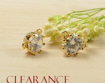SALE!Round Charm,Gold Pendant,Crystal Pendant,Cubic Zirconia Pendant,Clear Stone Charm,Tarnish Resist Gold Plating,RETAIL- 2 PCS/ order