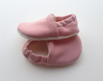 Baby booties, baby girl shoes, baby shoes, soft sole baby shoes, pink