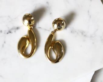 1980s gold question mark earrings // modern earrings // vintage earrings