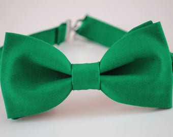 Green bow tie, men's malachite green bow tie, wedding bow tie, ringboy bow tie, ring bearer bow tie, groom bow tie, groomsmen bow tie