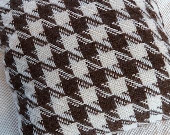 Handwoven alpaca cushion