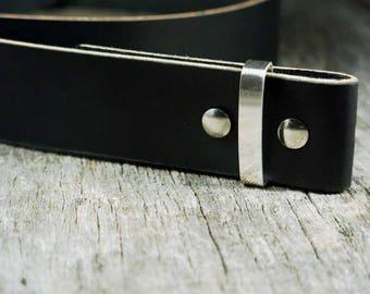 "Matte Black Veg Tan Leather - Wickett Craig - 8/10oz - 3.5-4mm - Veg Tan 80""+"