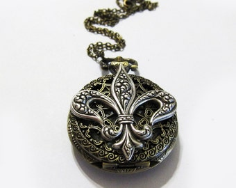 Fleur De Lis of Taeyeon: Pocket watch necklace