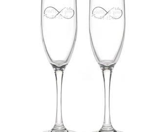 Personalized Wedding Flutes,   2 Toasting Flutes, Engraved Wedding Flute,  I Do Infinity Toasting Flutes,  Bride & Groom Champagne Flutes