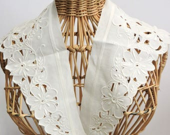 Ecru Floral Embroidered Cutwork Sew-On Collar, Vintage Lace Collar Embellishment, Fashion Neck Accessory itsyourcountry