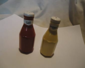 Vintage Ketchup & Mustard Set Of Salt and Pepper Shakers, Have Stoppers, collectable
