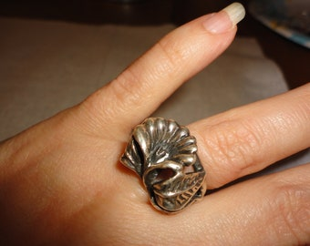 20% OFF Vintage Sterling Chunky Ring With Flowers - Floral - Silver - size 7 - Jewelry - Estate