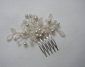 Wedding Hair Comb, Lace Hair Piece, Pearl Crystal, Small Hair Accessories, Bridal Ivory Headpiece, Bridal Hair Comb, Beaded Lace Hair Piece