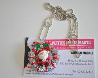 Necklace wreath ornament.