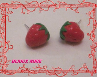 Strawberry mini Stud Earrings polymer clay