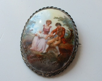 Large Victorian painted porcelain picture brooch