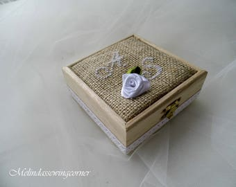Wooden Ring Box, Rustic Wedding, Wedding Accessorie, Burlap Decor, Embroidered Ring Box, Country Wedding, Customized Ring Box, Ring Bearer