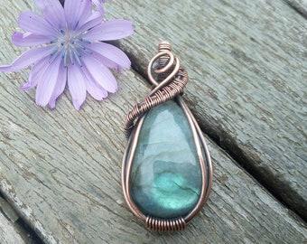 Antique jewelry, antique wire wrap pendant, wire weaved necklace, handmade copper wire, copper jewellery, labradorite jewelry, labradorite